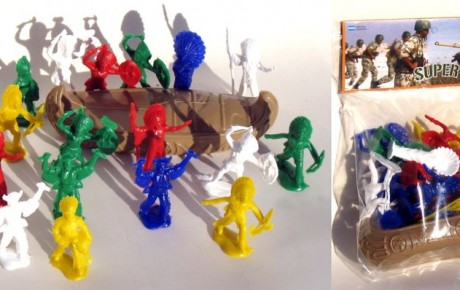 indios con canoa en plastico Guada juguetes